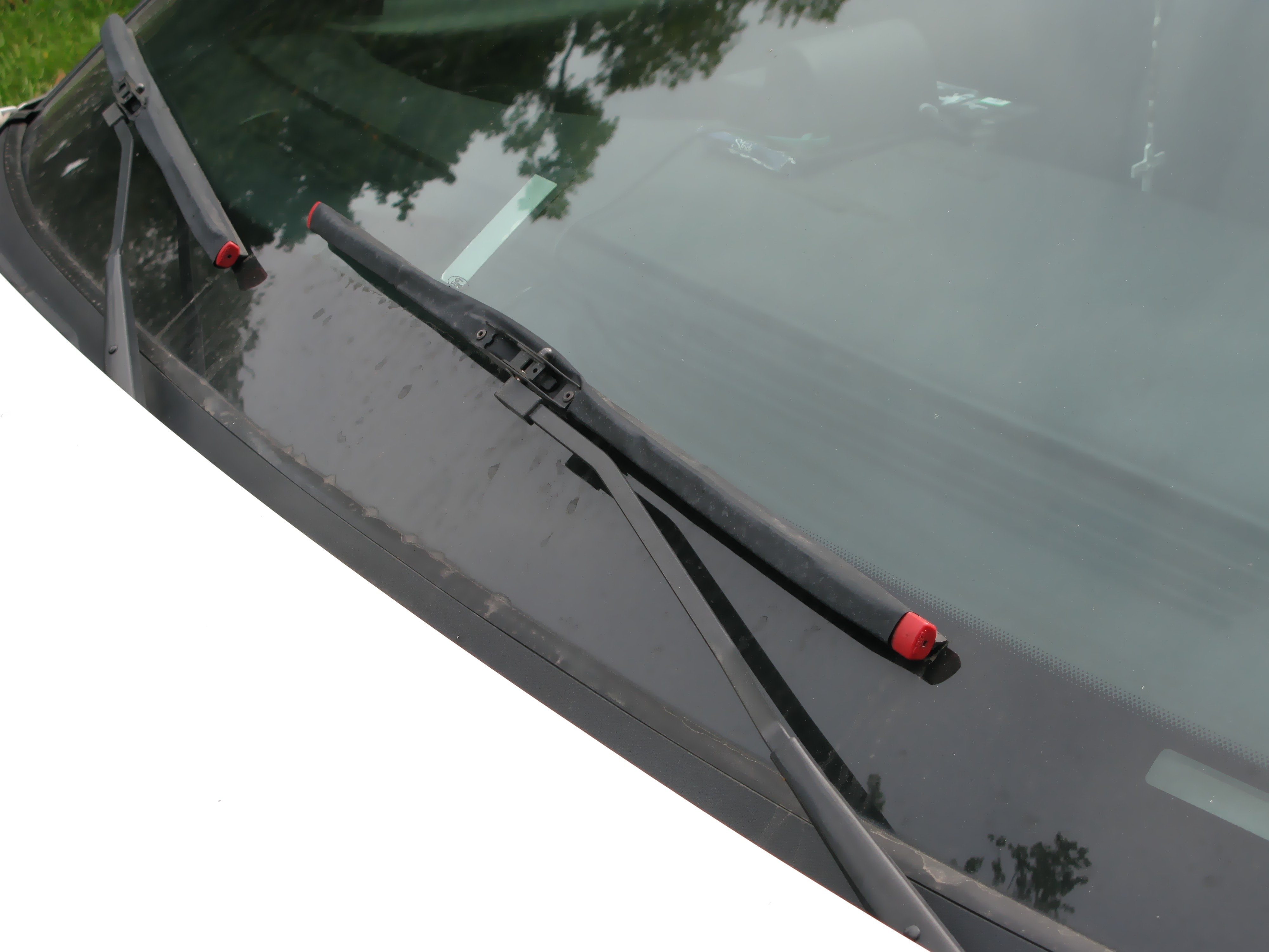 Why Should You Replace Your Windshield Wiper Blades
